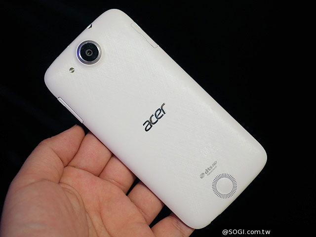 ارائه اولین گوشی 64 بیتی ایسر jade s