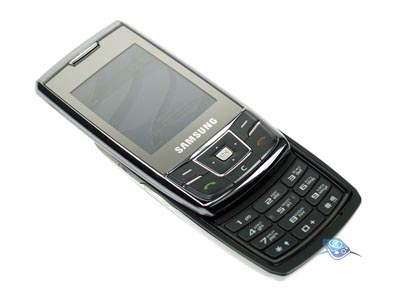 Samsung_DuoS_D880_02.jpg