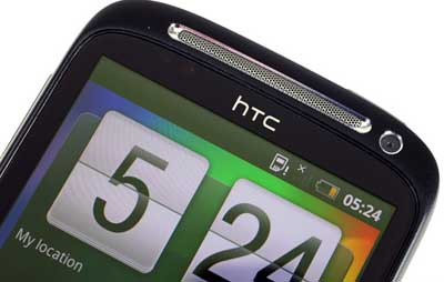 htc_desire_s_vs_motorola_milestone_2_mobile_comparison_08.jpg