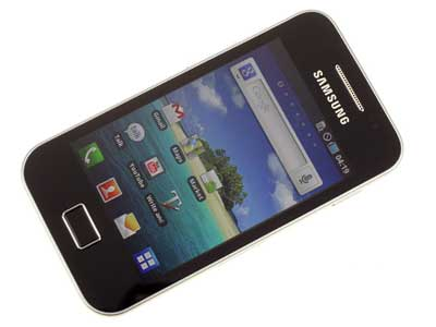 htc_wildfire_s_vs_samsung_galaxy_ace_s5830_07.jpg
