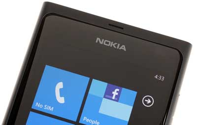 nokia_lumia_phones_06.jpg